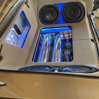 Alpine speakers installed at Stereo USA Plus green light